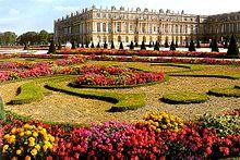 220px-Versailles_Garden